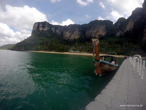 Phai Plong Bay.